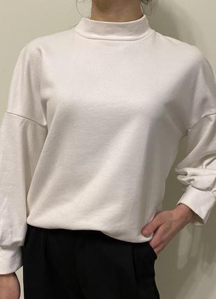 Жіноча біла кофта блуза з об'ємними рукавами, свитшот s