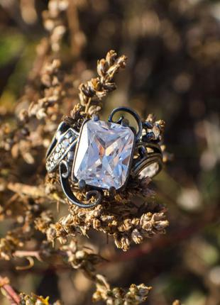 Шикарное серебряное кольцо с крупным фианитом, 17,5 р