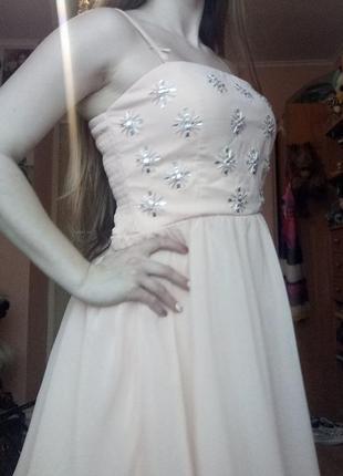 Нюдовое вечернее коктейльное платье на выпускной с-м-л