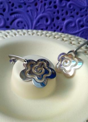 Серебряные серьги ажурный цветок