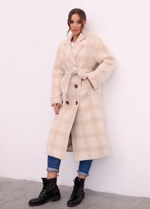 Пальто миди в клетку на утеплителе
