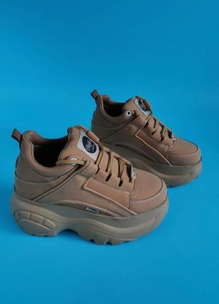 Женские кроссовки ботинки на массивной подошве buffalo