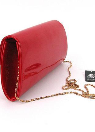 8fc8f36475d8 ... Вечерний лаковый красный клатч на цепочке сумочка на плечо на  выпускной3 фото