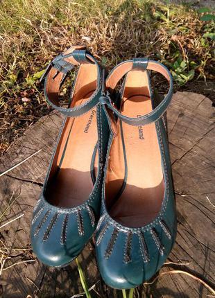 Туфли на среднем каблуке graceland