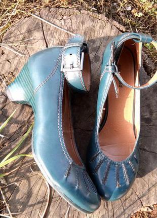 Туфли на среднем каблуке graceland2