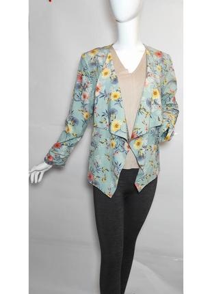Легкий пиджак new look с цветочным рисунком.