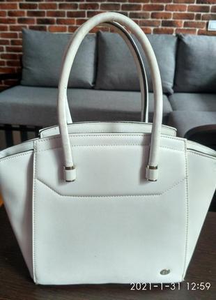 Элегантная белая каркасная сумка