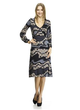 Симпатичное вискозное платье 48 разм.