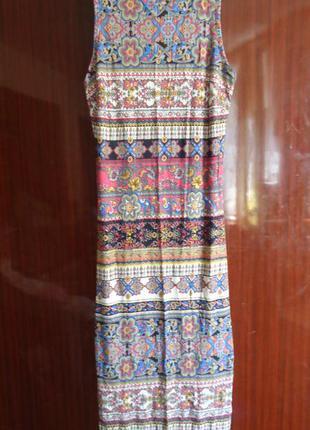 Красивое платье миди по фигуре хс-с