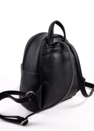 Черный маленький рюкзак женский молодежного типа матовый на плечо6 фото