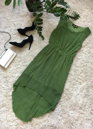 Зелёное вечернее коктейльное нарядное платье