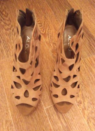 Шикарные замшевые ажурные босоножки,ботильены,туфли цвета пудры