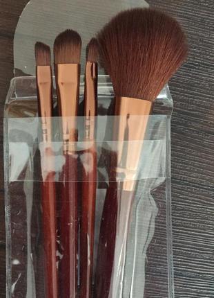 Кисти для макияжа в наборе 4 шт
