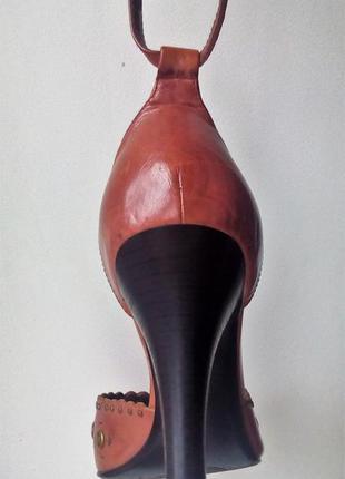 Кожаные босоножки sasha fabiani