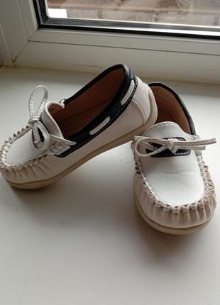 Туфли, макасины
