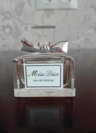 Миниатюра парфюмированной воды miss dior eau de parfum