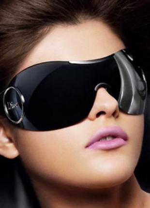 Узнаваемые очки маска от dior