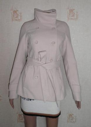Б/у демисезонное пальто h&m с поясом, бежевое, 38р, в идеальном состоянии