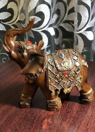 Статуетка слон»