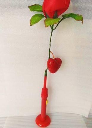 Говорящая роза, на подставке, с подсветкой.