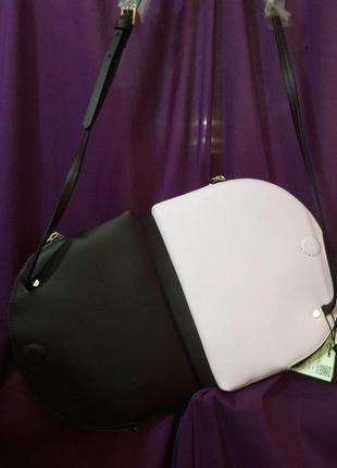 Очень красивая и яркая сумочка