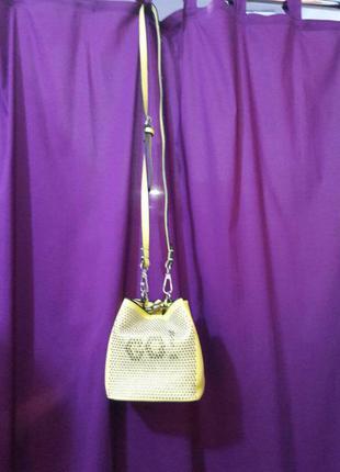 Милая и яркая сумочка миниатюрная