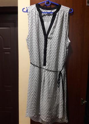 Стильненькое платье  h&m.