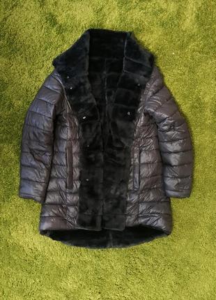 Двухсторонняя курточка на искуственном меху.