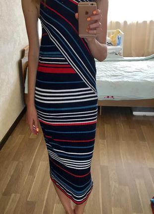 Обтягивающее платье stradivarius размер м