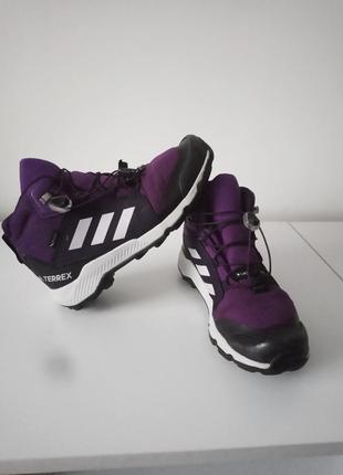 Ботинки adidas размер 34-35
