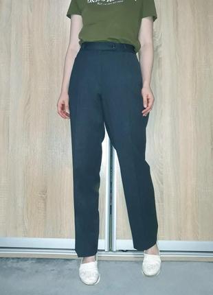 Шерстяные винтажные брюки со стрелками на высокой посадке с прямыми карманами brax