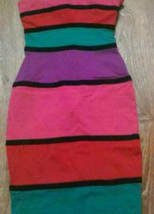 Трикотажное платье-бюстье   в цветную полоску.
