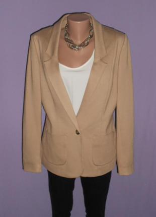 Стильный трикотажный пиджак 14 размера