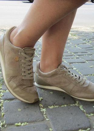 Кожаные кроссовки massimo dutti