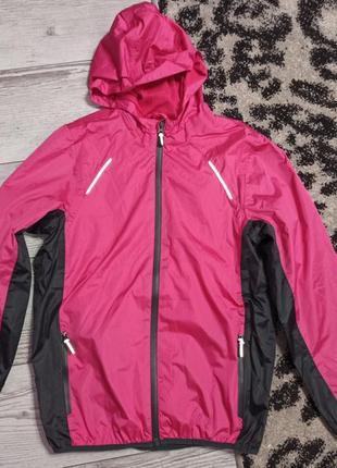 Класна демісезонна  куртка дощовик crivit 120 грн.