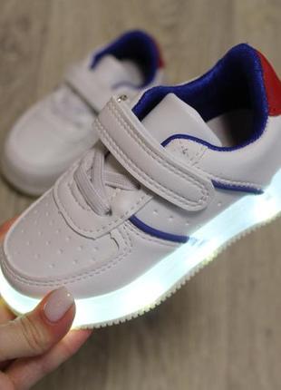 Кроссовки светящиеся/ стилтные белые кеды