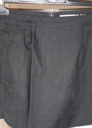Юбка короткая с кармашками