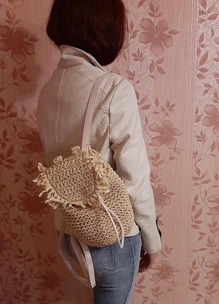 Соломенный стильным  рюкзак clockhouse. рюкзачек плетенный