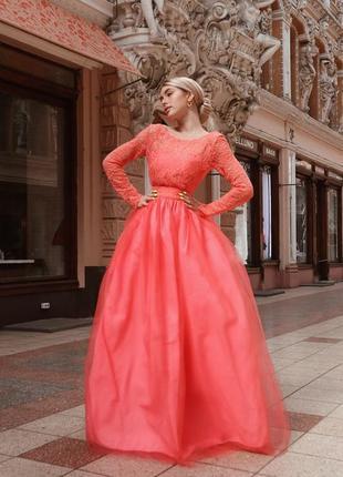 Роскошное пышное персиковое платье