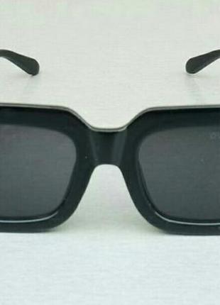 Louis vuitton очки женские солнцезащитные черные с золотым логотипом