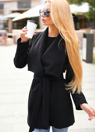 Черное трендовое пальто
