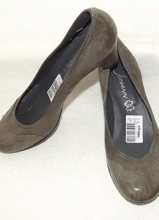 Кожаные туфли не большой каблук 37 размер италия