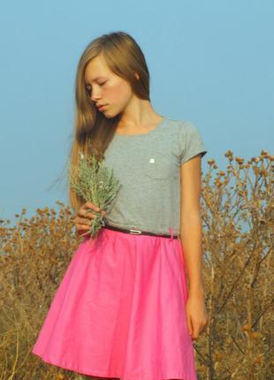 Модное яркое платье reserved