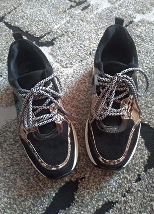 Черные кроссовки красовки 23,5 см 36 размер
