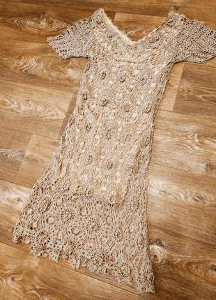 Исклюзивное вязаное крючком платье.