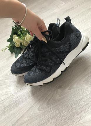 Кросівки для залу