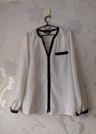Блуза белая с черной окантовкой