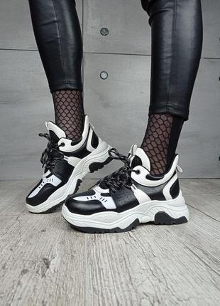 Кроссовки, черные с белым, экокожа