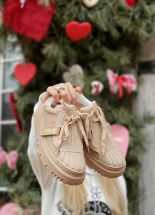 Шикарные женские люксовые кроссовки