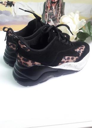 Кроссовки кожа на масивной подошве черные замша леопард принт от бренда  bianco😎9 фото